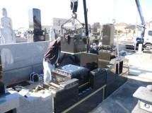 ④石塔の中台が設置されて次は上台にさしかかりました